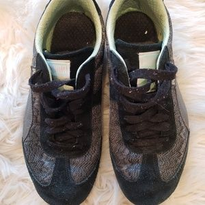 Black and Gray Puma Tennis Shoes Size 7